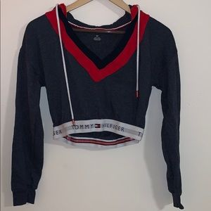 V- neck Tommy Hilfiger cropped sweater
